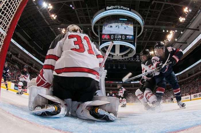 GenevieveLacasse-HockeyCanada.jpg